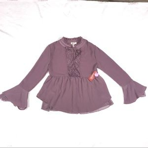 Peasant blouse in Elderberry.